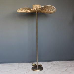Επιδαπέδιο φωτιστικό σχήμα καπέλο με σχοινιά