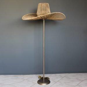 Επιδαπέδιο φωτιστικό με σχοινιά σε σχήμα καπέλο